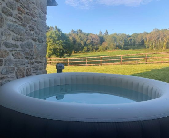 vacances-morbihan-spa-location-guidel-jacuzzi-gite-proche-mer-nature