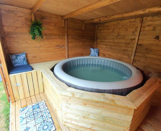 guidel-jacuzzi-vacance-location-morbihan-jacuzzi-bretagne-spa-gite
